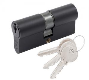 Juodas itališkas cilindras ir 3 raktai